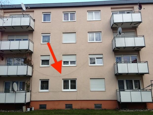 Satellitenanlagen auf Balkonen